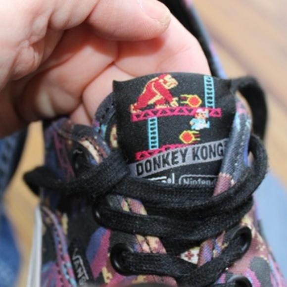 c6f8e0705c4 Rare Nintendo Donkey Kong Vans! EUC! Size 5!! M 5ac7948b8290afd210f4eb40